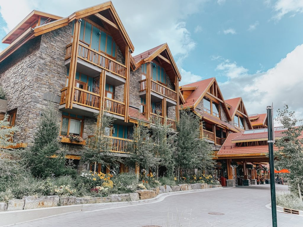 banff downtown moose hotel and suites travel guide